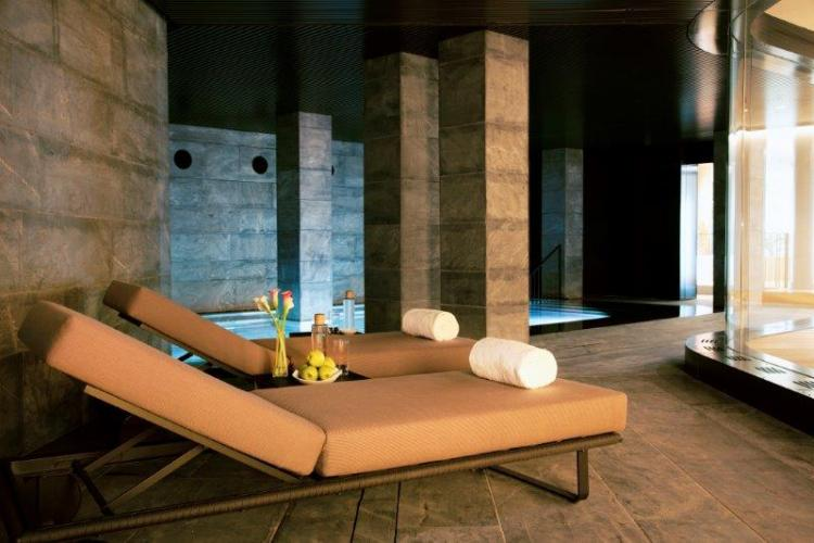 Hotel Akelarre San Sebastian con fachadas ventiladas de Sistema Masa