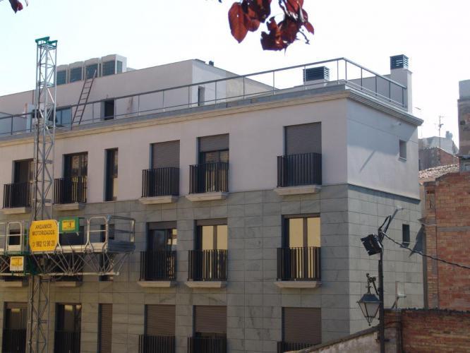 Edificio Plurifamiliar Lleida con fachada ventilada - Sistema Masa