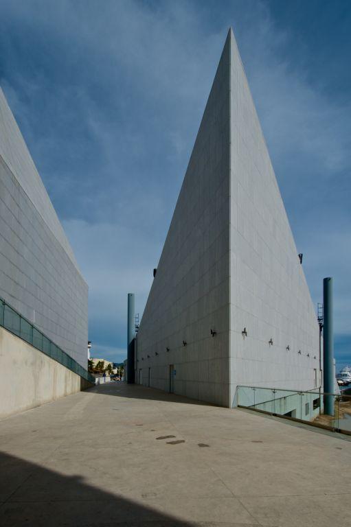 Sistema Masa • Pabellón Cultural de la República, Edificio en Los Cabos • fachada con aplacado de piedra