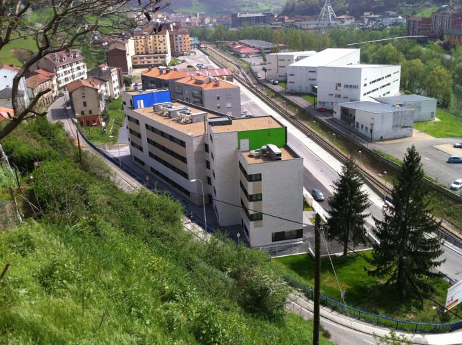 Edificio para Mayores Dependientes (Sotiello) con sistema de fachadas ventiladas - Sistema Masa