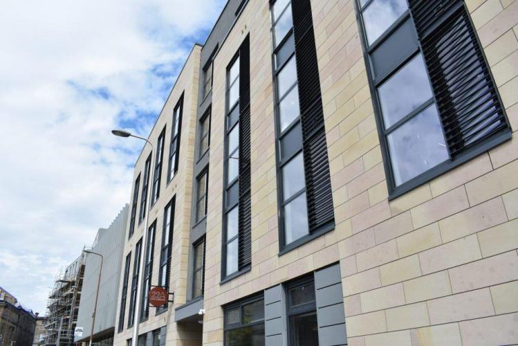 Alojamiento de Estudiantes Edimburgo sistema de fachada ventilada · Sistema Masa