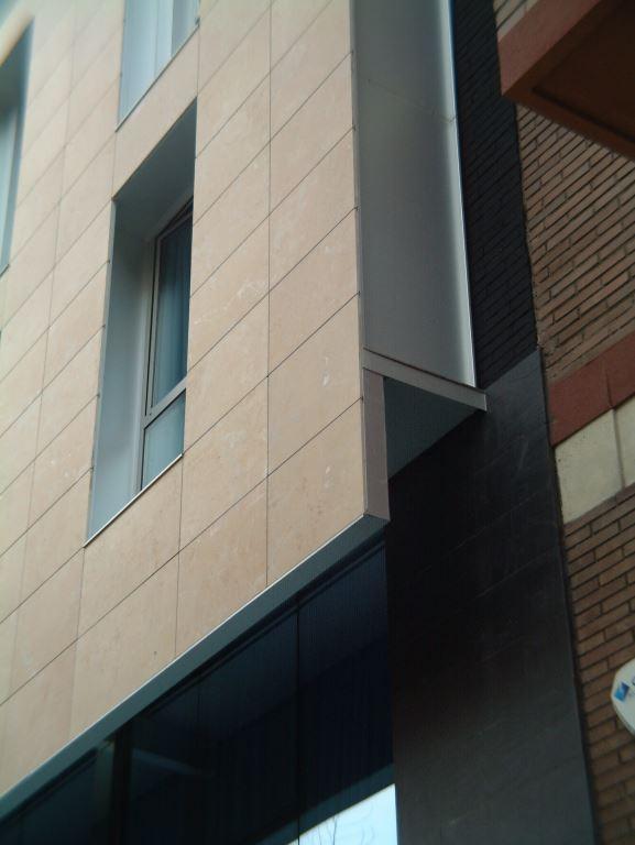 Hotel Century Park con fachadas ventiladas de Sistema Masa