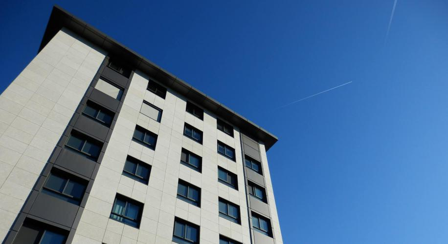Torre Pizarro con fachadas ventiladas - Sistema Masa