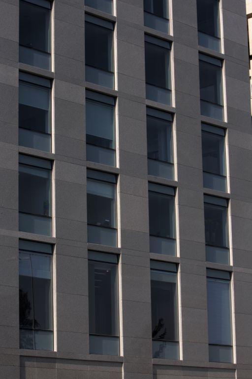Sistema Masa • Edificio Plurifamiliar Bicentenario • Fachada ventilada con aplacado de piedra