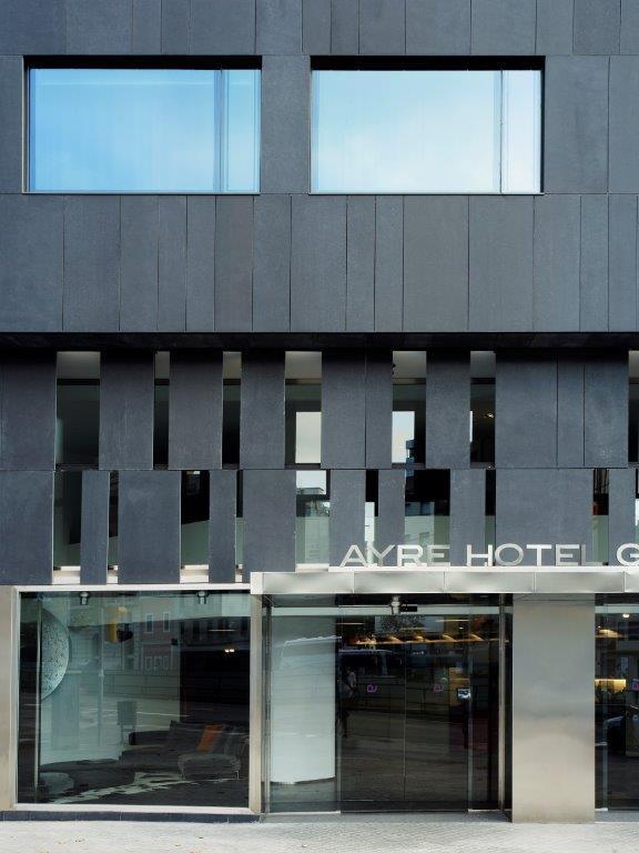 Fachada ventilada de Sistema Masa para el Hotel Ayre Fiesta