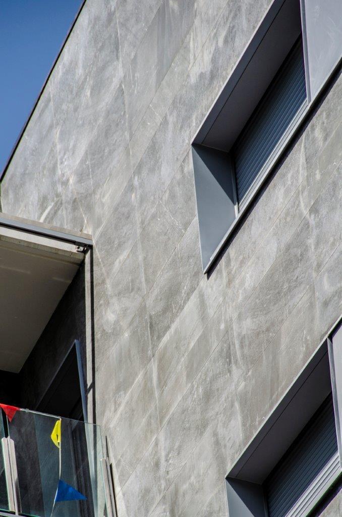 Edificio viviendas Pallars sistema fachada ventilada · Sistema Masa