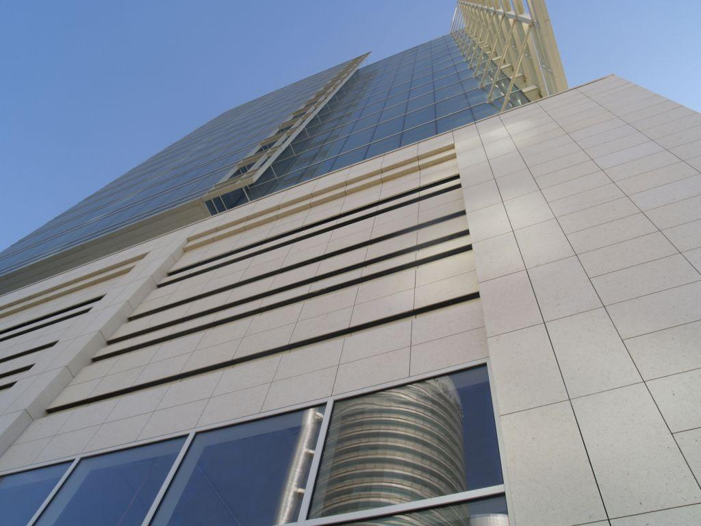 Sistema Masa • The Galleries at Downtown Jabel Ali • Fachadas ventiladas