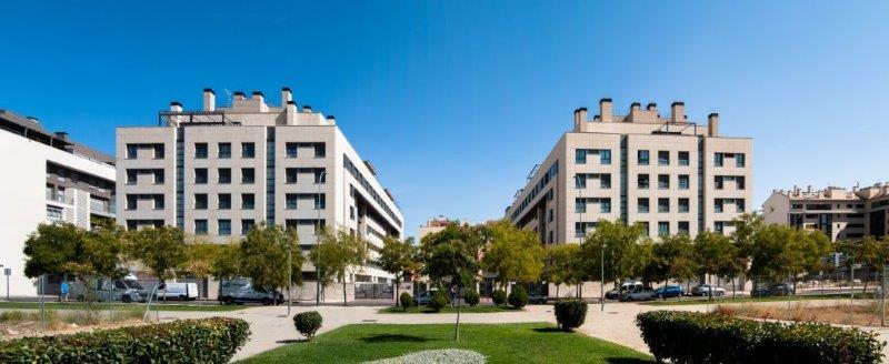 Edificio Viviendas Los Girasoles con sistema de fachada ventilada · Sistema Masa