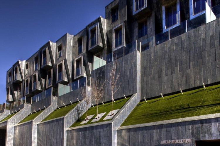 Edificio Plurifamiliar Les Molleres