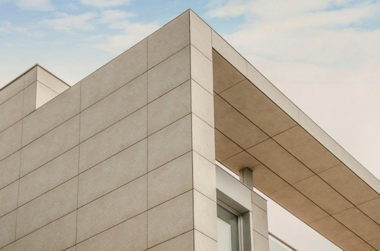 Vivienda Unifamiliar Alella con fachada ventilada de Sistema Masa