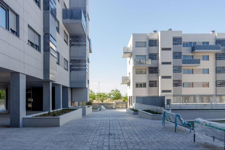 proyecto 100 viviendas Barajas con fachadas ventiladas de sistema masa