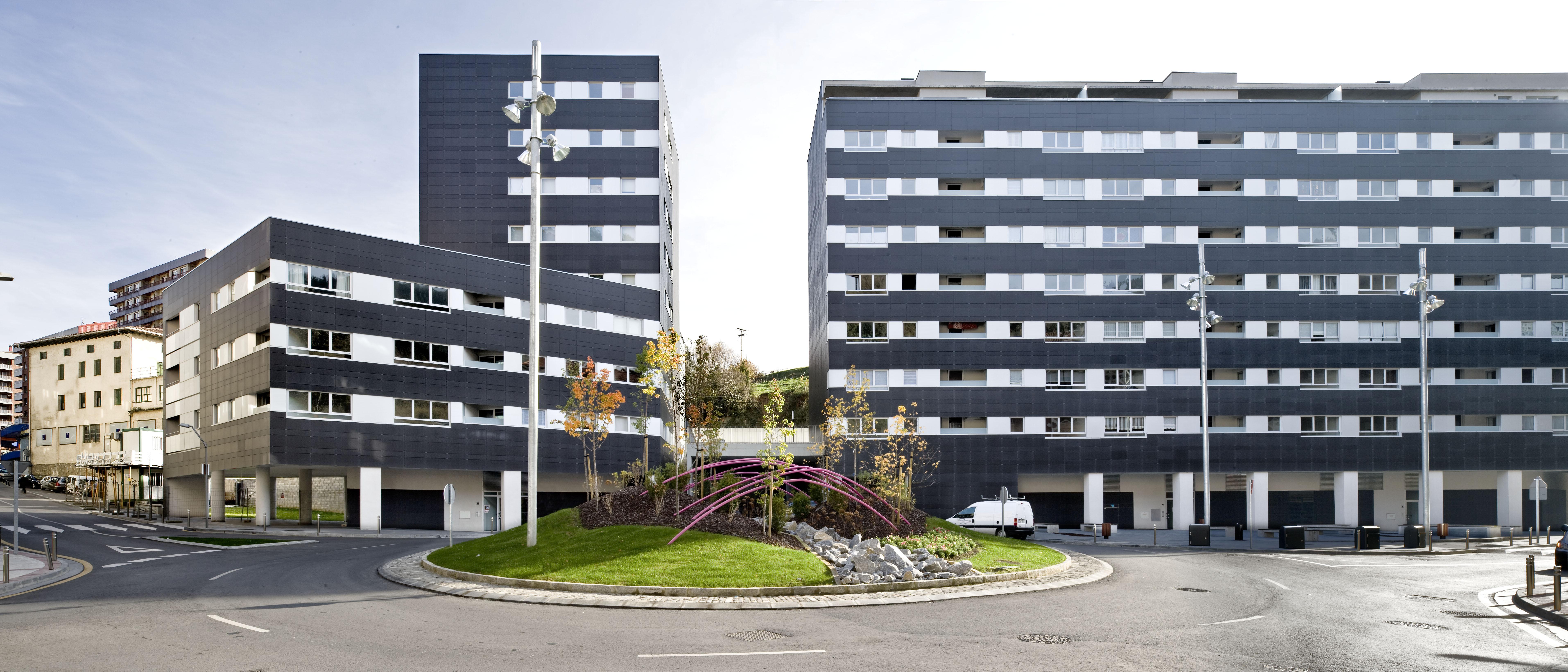 Sistema Masa • Revestimiento de fachada ventilada de viviendas de protección oficial.