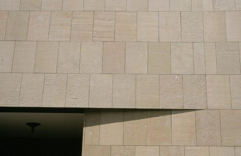 Fachadas exteriores. Sistema Masa. Apartahotel Citadines