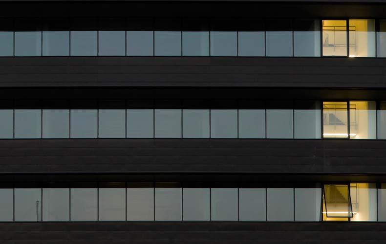 WTC Almeda Park Edificio 7 con fachada ventilada Sistema Masa