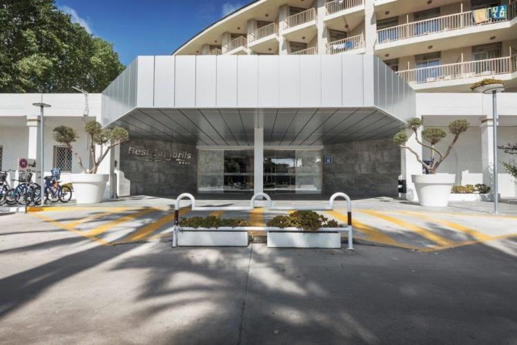 Hotel Best Cambrils con fachadas ventiladas de Sistema Masa