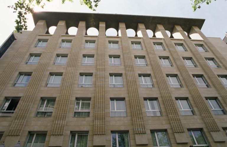 Hotel Reino de Aragón con fachada ventilada - Sistema Masa