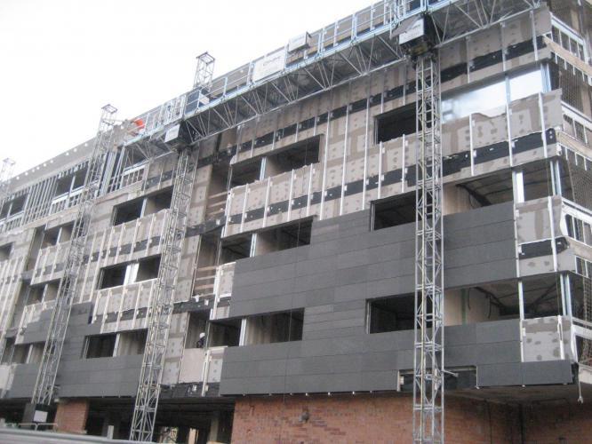 Fachada ventilada hotel AC Sants, Barcelona. Sistema Masa PF-ALU/PL
