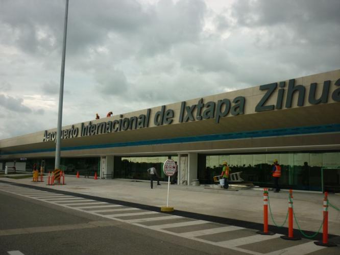 Aeropuerto Ixtapa-Zihuatanejo con fachada ventilada - Sistema Masa
