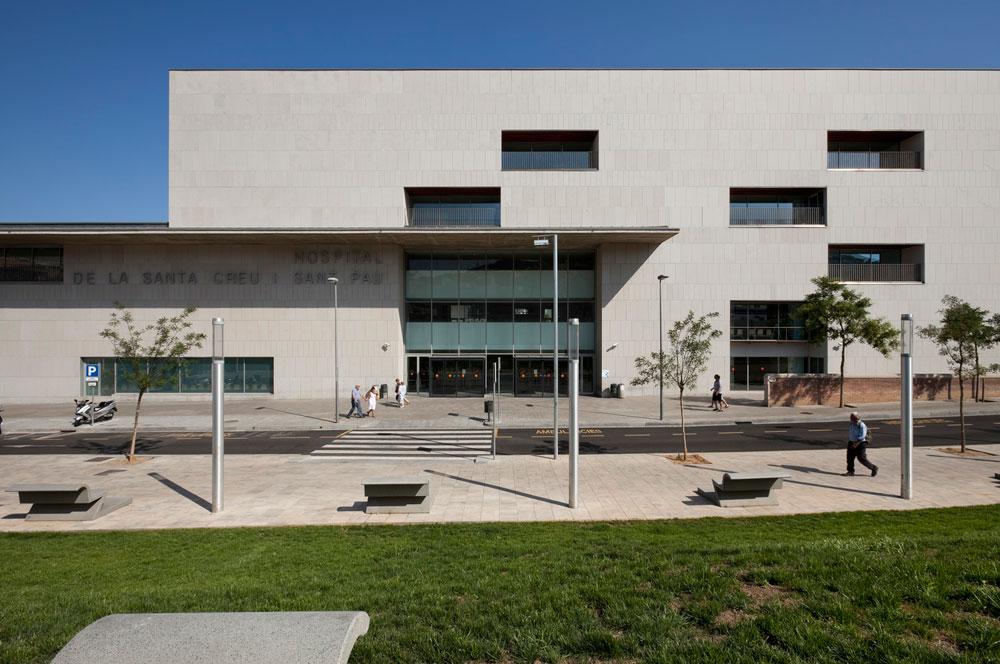 Sistema Masa • Hospital Sant Pau • fachada ventilada con aplacado de piedra