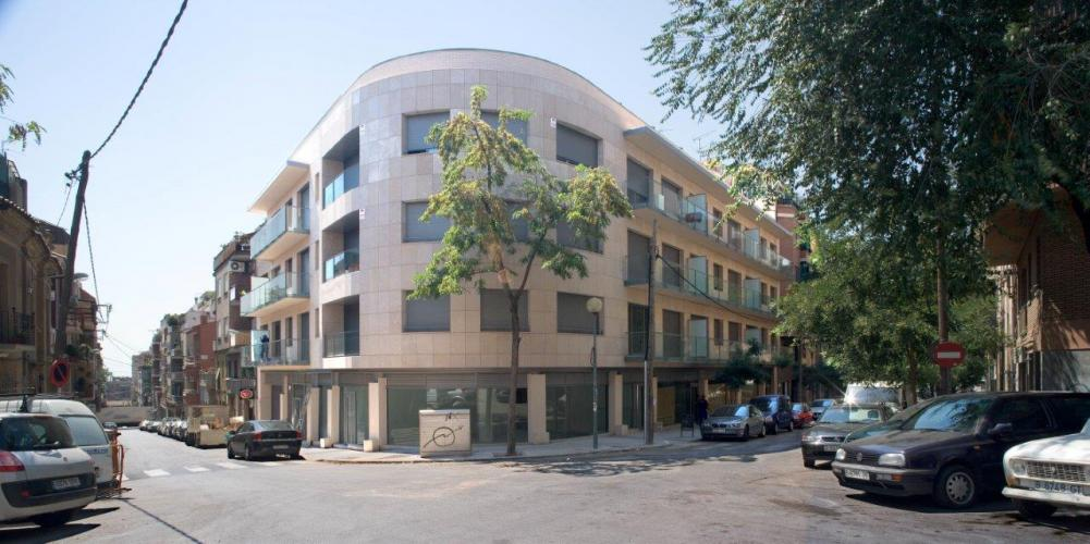 Edificio plurifamiliar Reinaxença con fachadas ventiladas de Sistema Masa