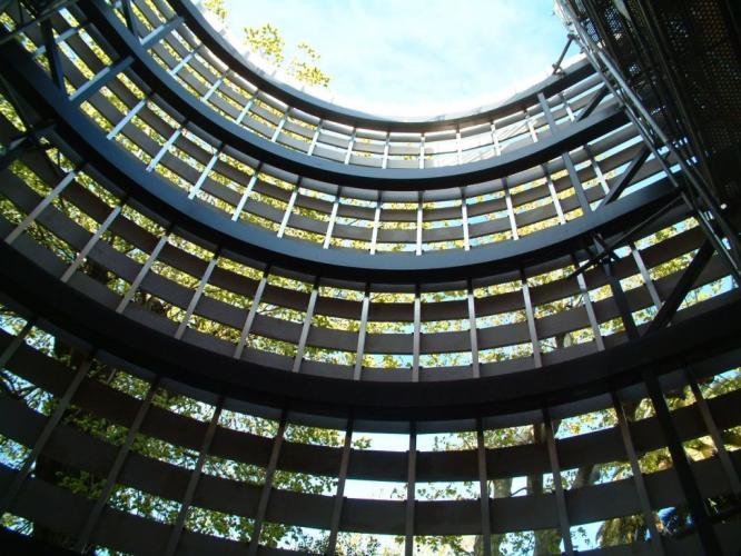 Colegio La Salle Bonanova con fachadas ventiladas de Sistema Masa