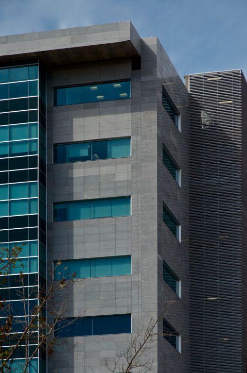 Sistema Masa • Edificio Torre Hidalgo • Edificio con revestimiento de fachadas ventiladas