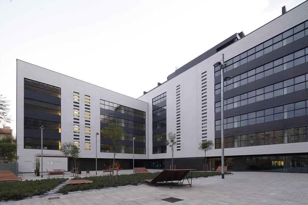 Revestimiento de fachadas ventiladas Sistema Masa. Parque empresarial Bilbao