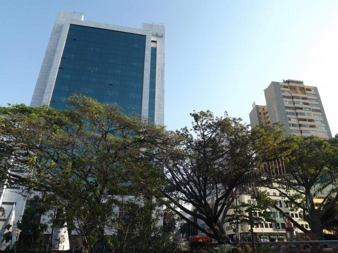 Banco de Bogotá (Cali) con fachadas ventiladas de Sistema Masa