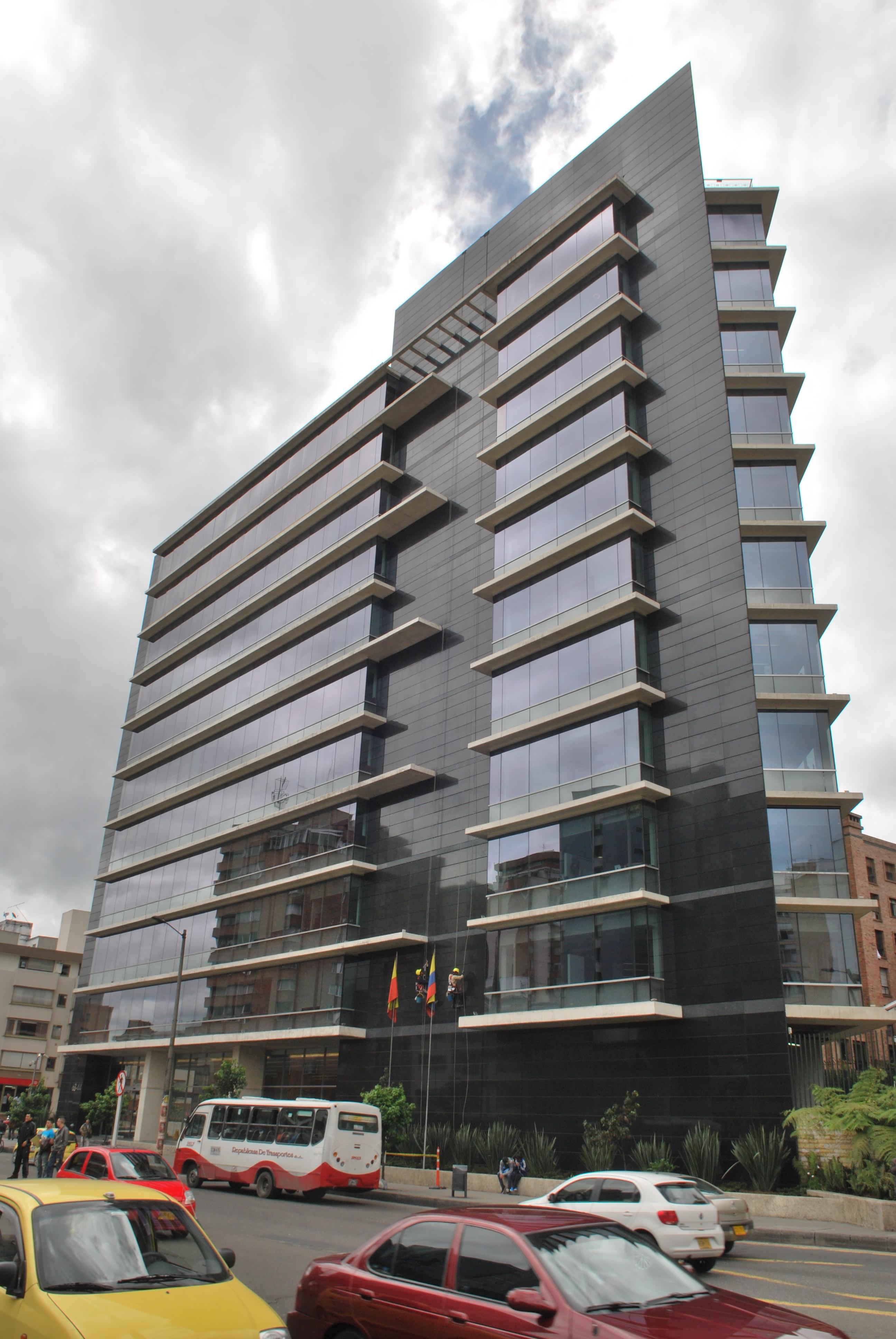 Sistema Masa • La Cabrera • Sistemas de sujeción de fachadas ventiladas
