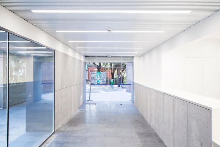 Zooclub Barcelona con fachada ventilada - Sistema Masa