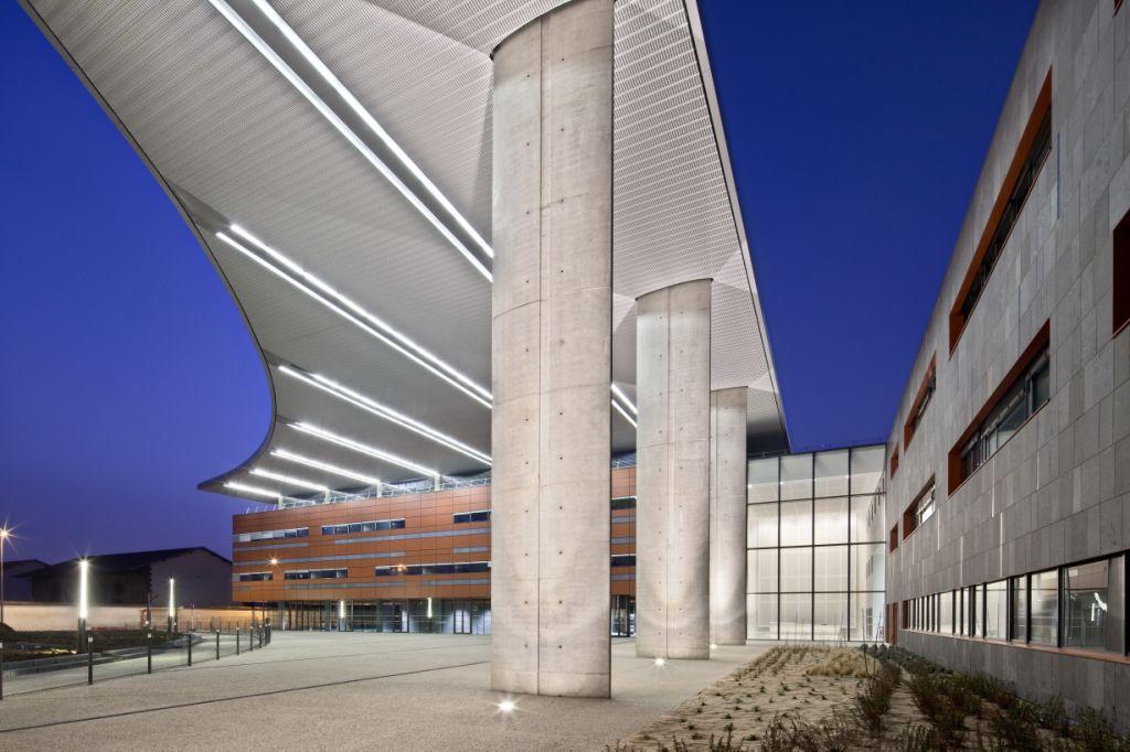 Sistema Masa • Hospital Clermont-Ferrand • fachadas, aplacado de piedra