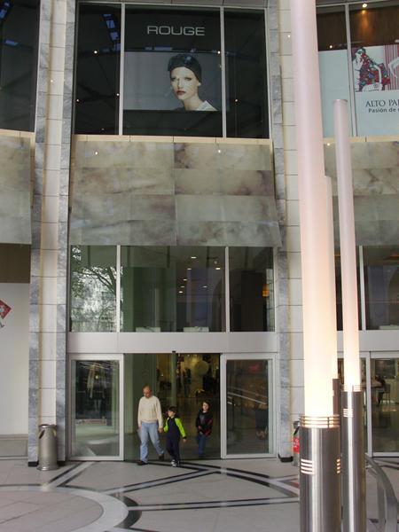 Centro Comercial Alto Palermo fachadas ventiladas de Sistema Masa