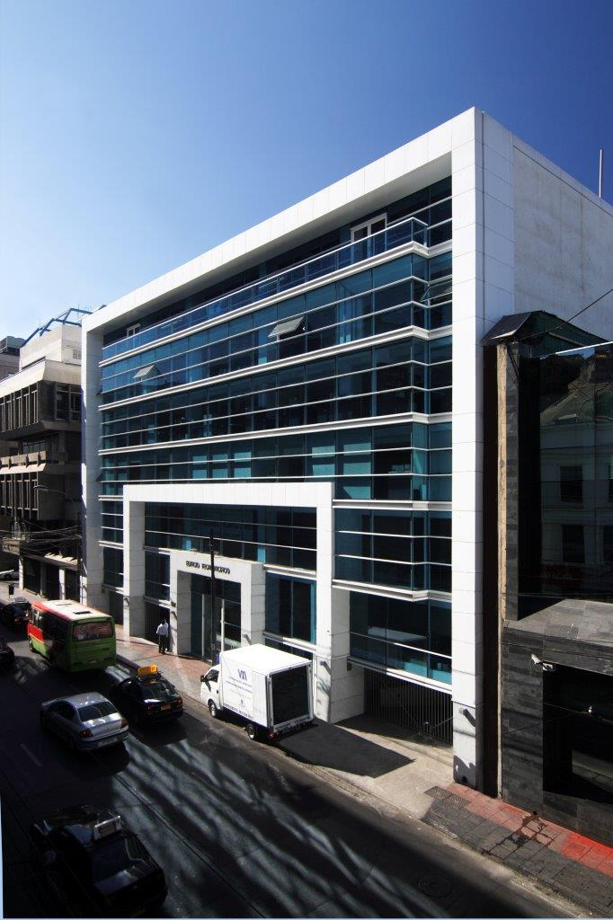 Edificio Tecnopacifico con sistema de fachada ventilada - Sistema Masa