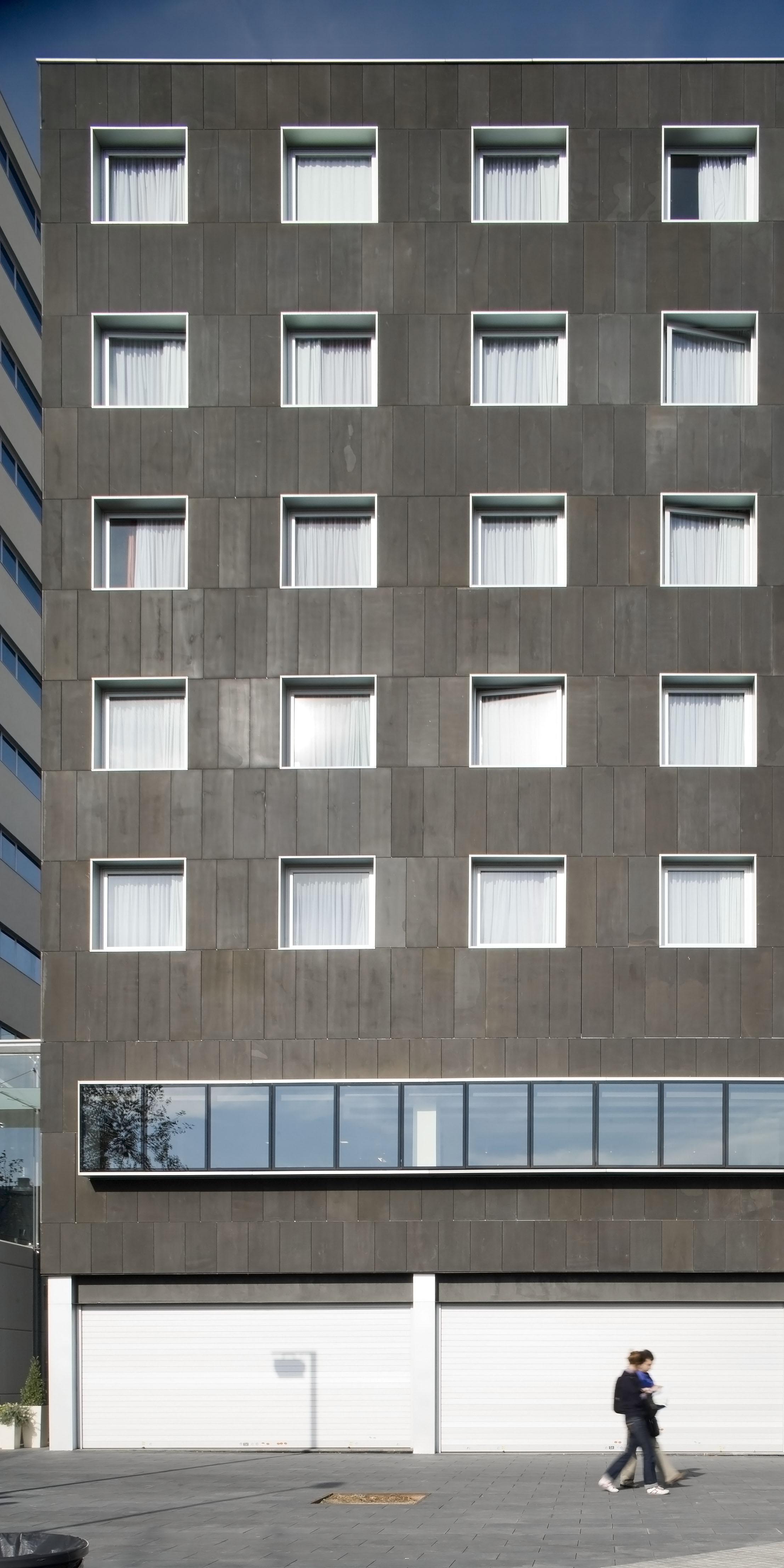 Fachadas ventiladas de Sistema Masa para el Hotel 22