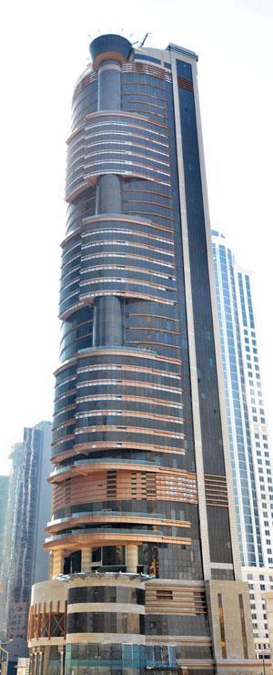 Bin Samikh Hotel con fachadas ventiladas de Sistema Masa