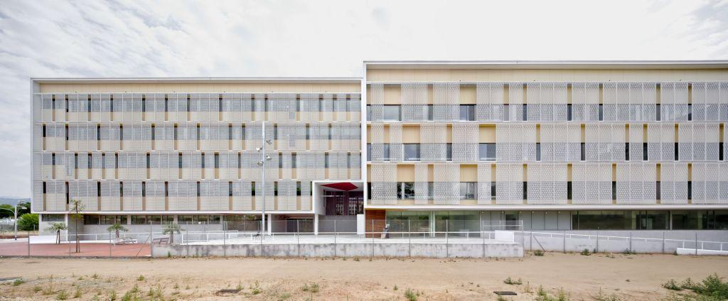 Sistema Masa • L'Equipament Sociosanitari Casernes de Sant Andreu • fachadas ventiladas