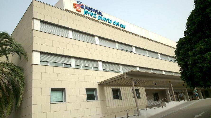 Hospital Jerez Puerta del Sur con fachadas ventiladas de Sistema Masa
